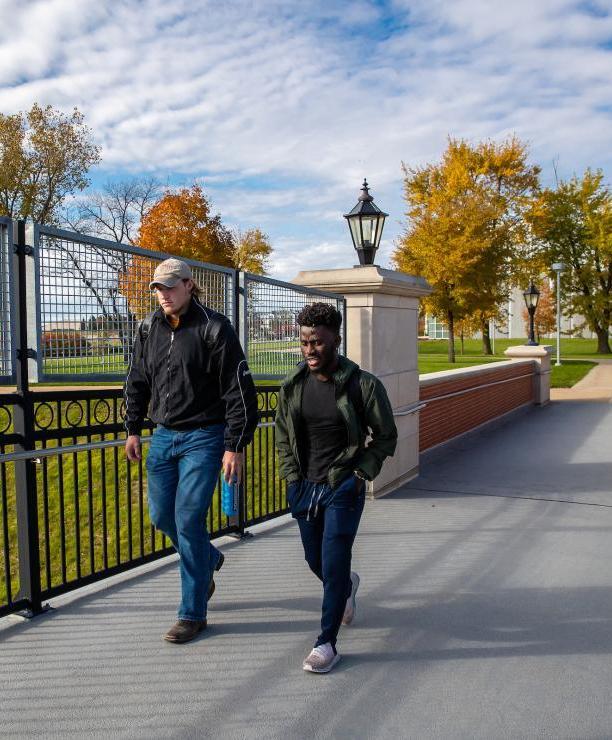 Students walking on UNI campus