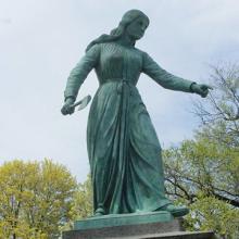 Statue of Hannah Duston